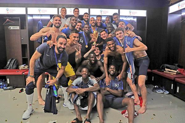 Francia, campeón del mundo 20 años después
