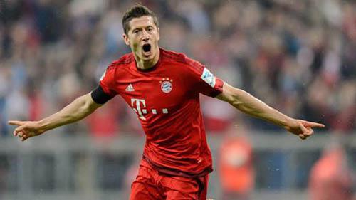 Robert Lewandowski, cinco goles en nueve minutos