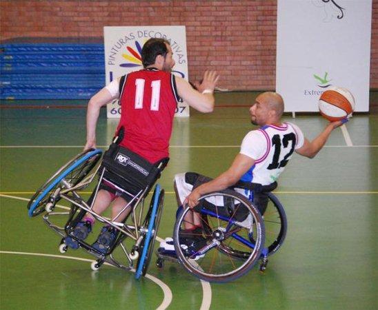 Baloncesto en silla de ruedas deportes - Deportes en silla de ruedas ...