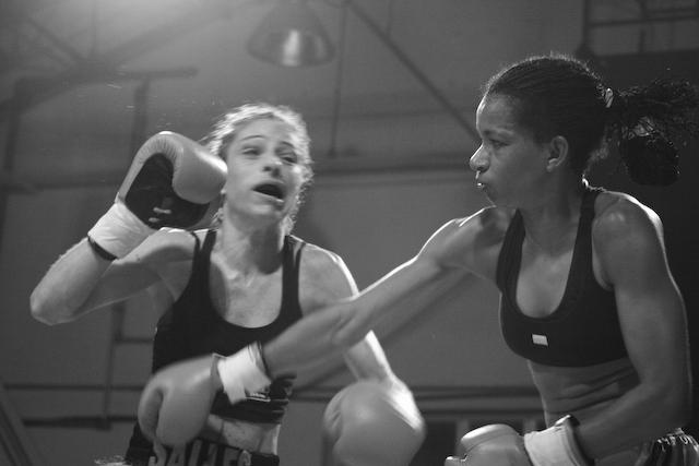women_boxing